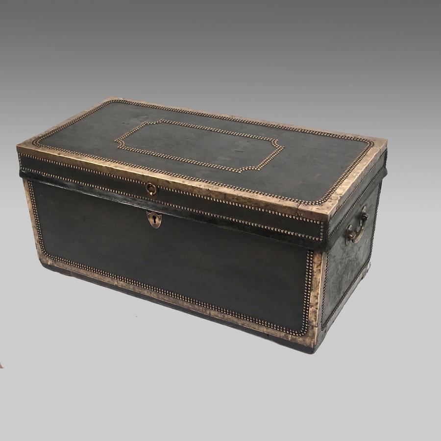 19th century China Trade camphor-wood trunk