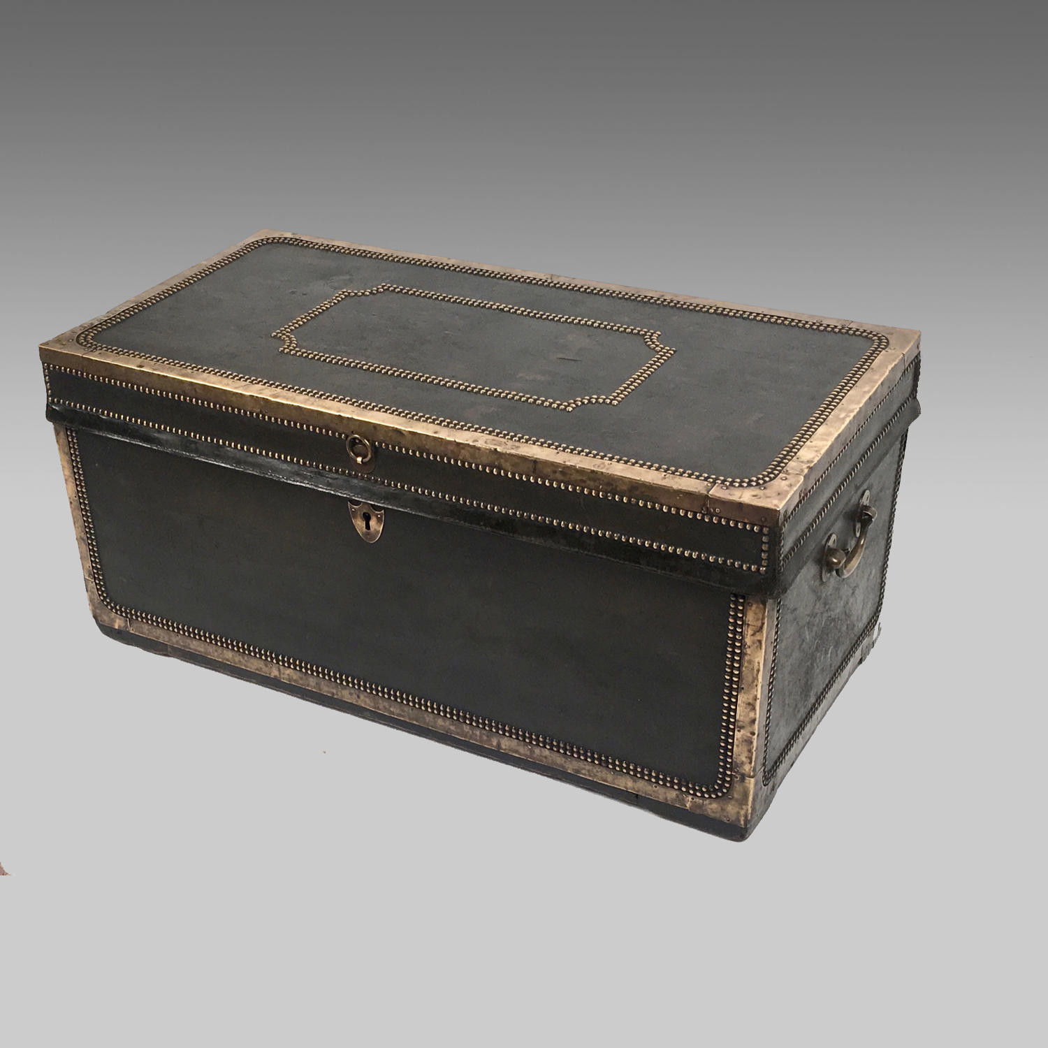 19th century China Trade camphor-wood trunk