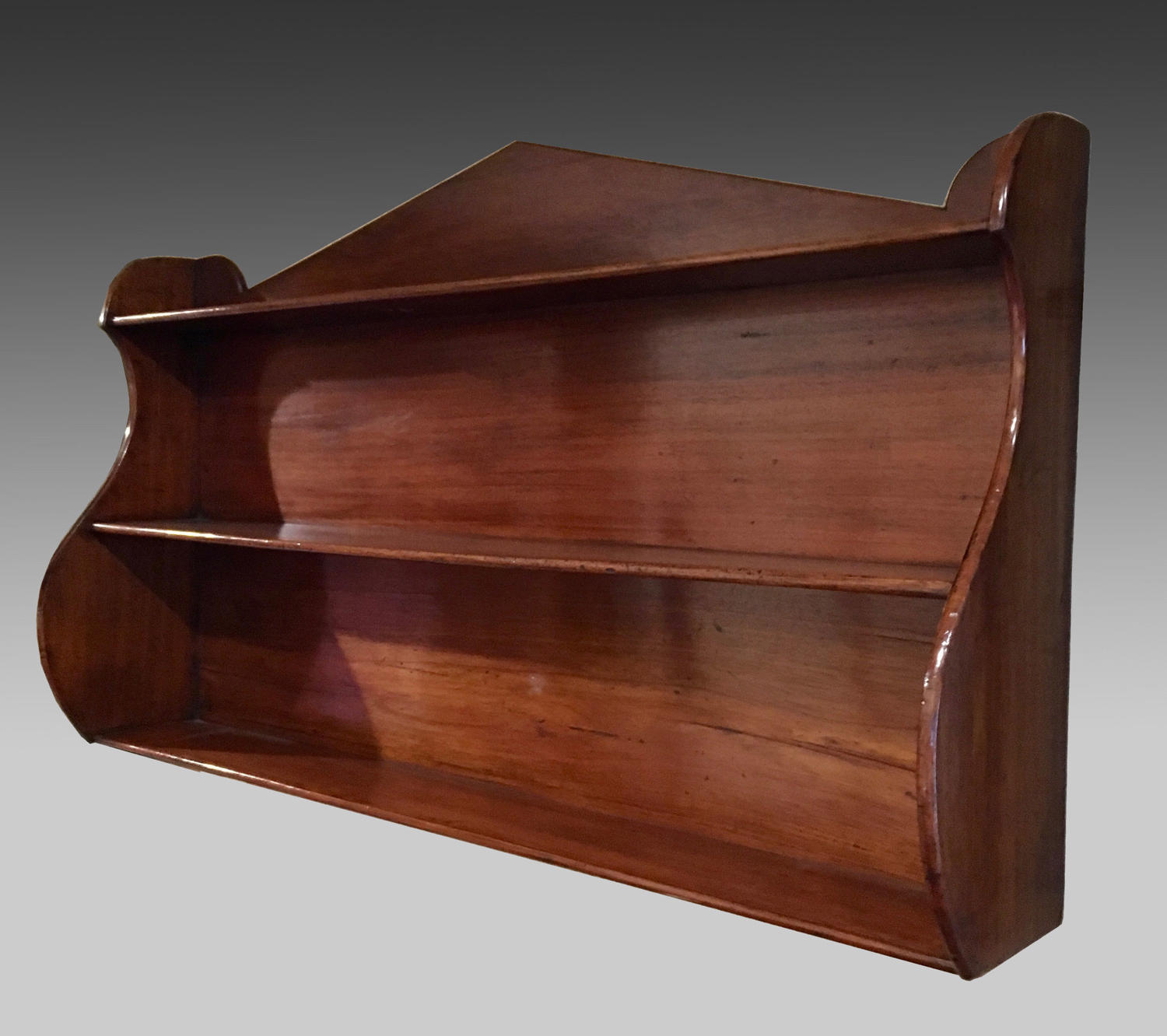 19th century Regency mahogany hanging shelves