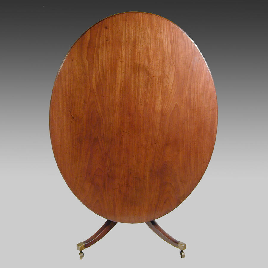 Fine late 18th century oval mahogany dining or centre table