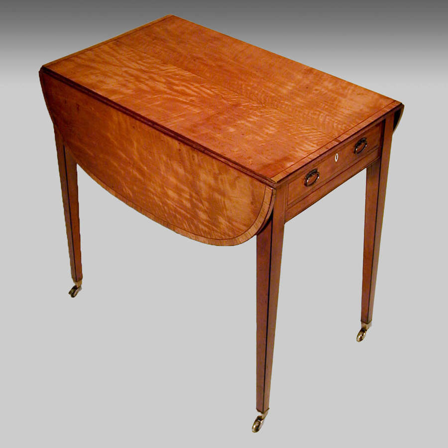 Small 18th century satinwood Pembroke table