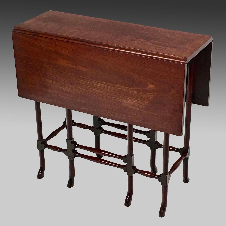 Georgian mahogay spider-leg dropleaf table