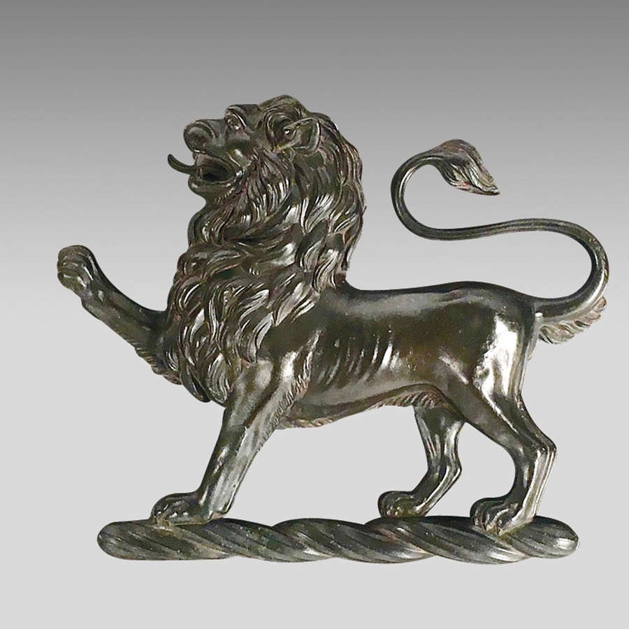 18th century heraldic bronze crest of lion