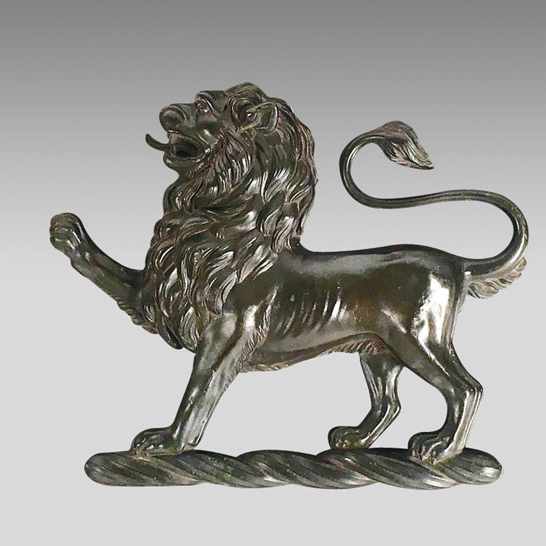 18th century heraldic bronze crest of lion