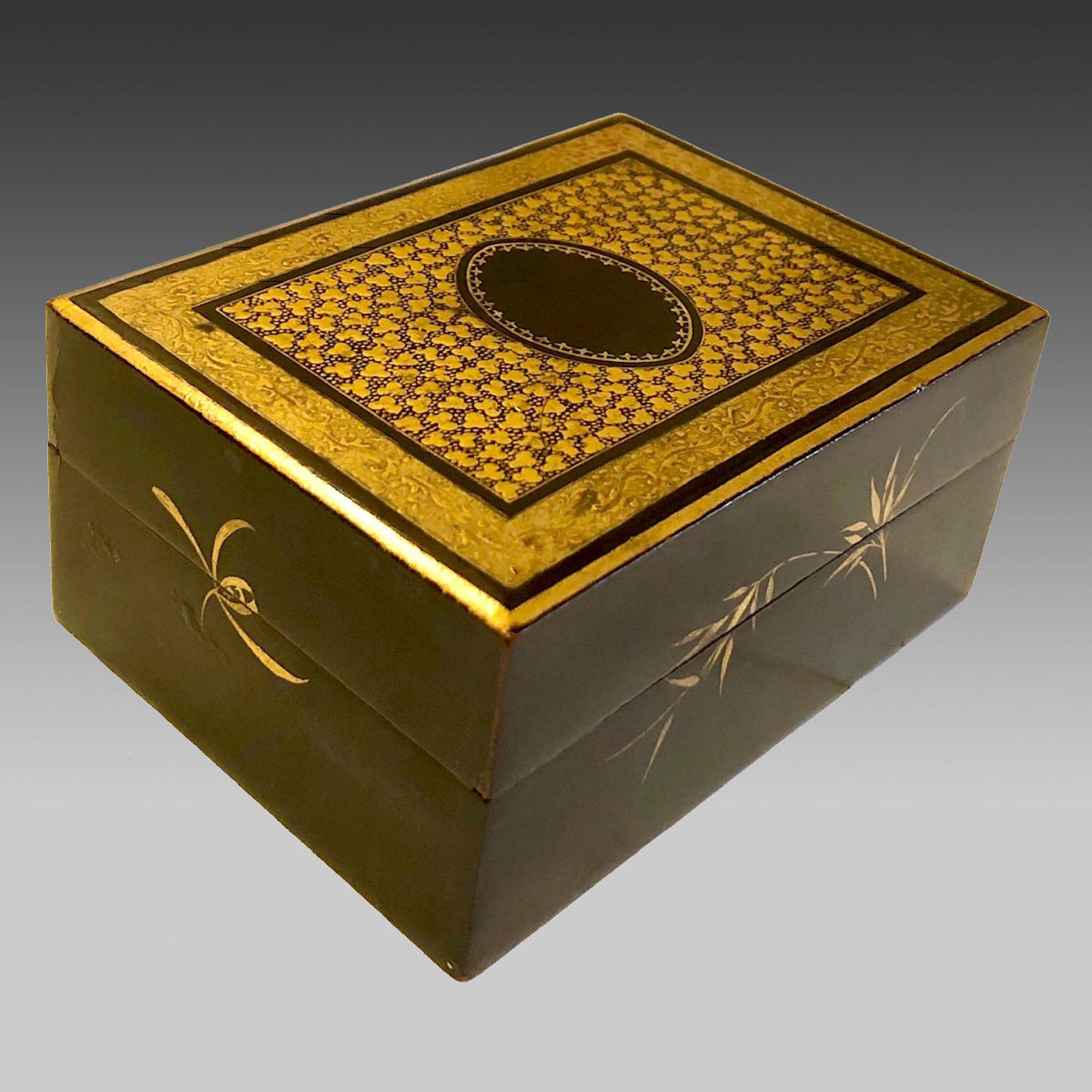 19th century Chinese lacquer gaming counters box