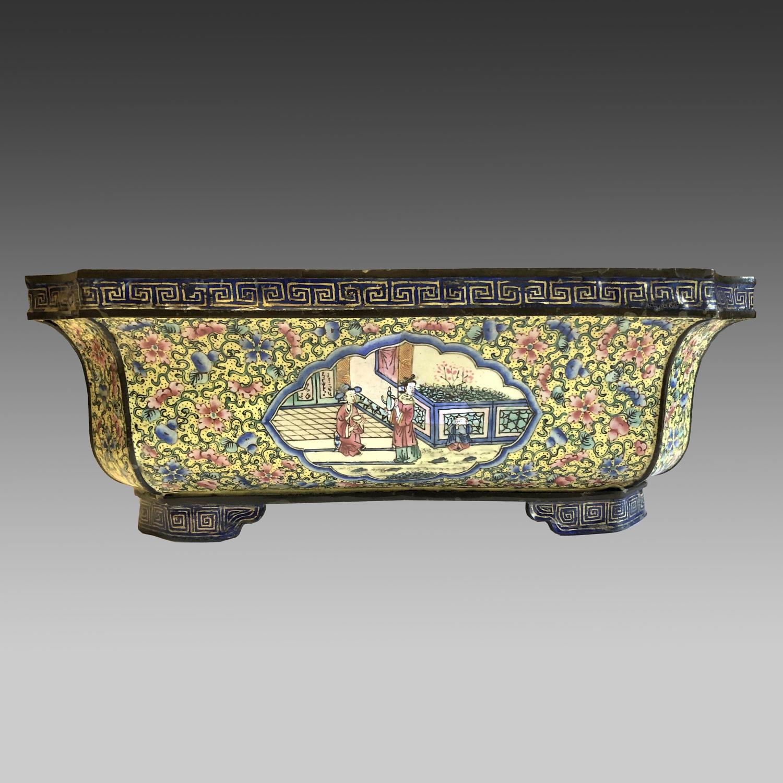 18th century Chinese Canton enamel jardiniere