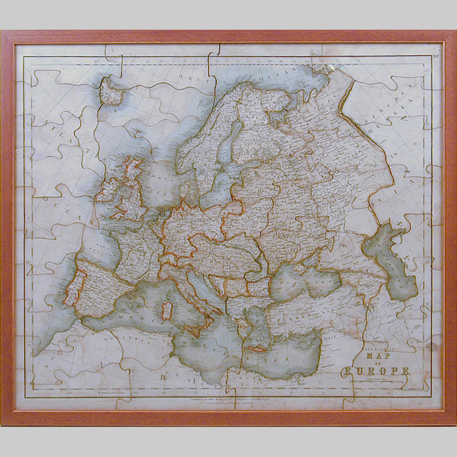 Boxed dissected jigsaw map of Europe by W.Peacock