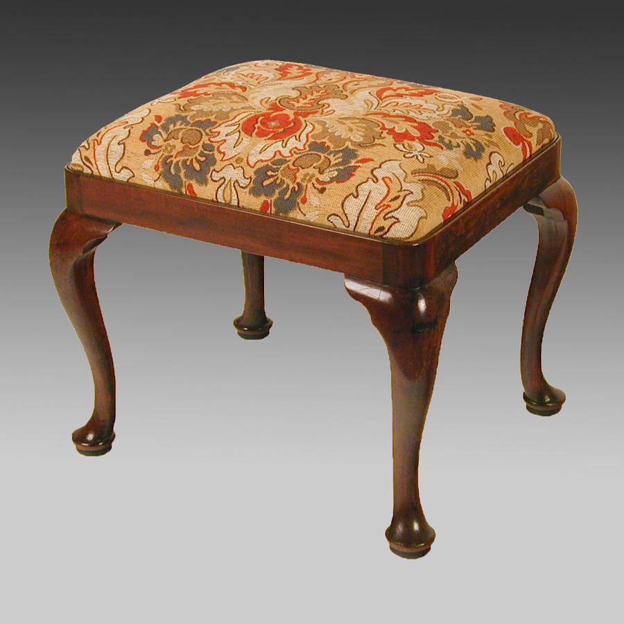 Georgian mahogany cabriole leg stool