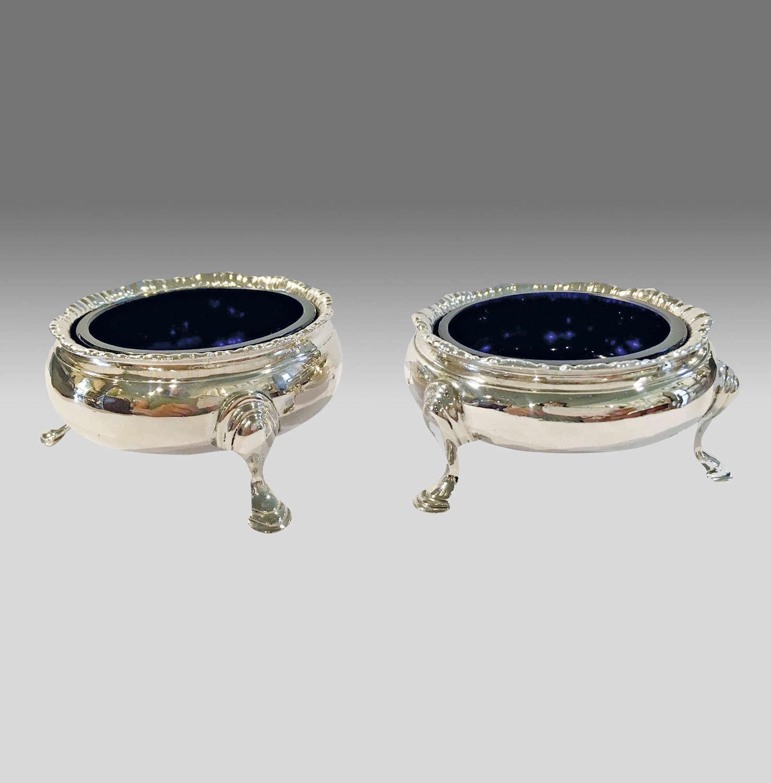 Georgian silver Cauldron salts