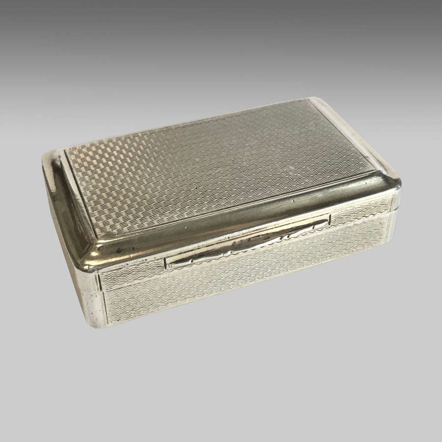 Georgian silver-gilt snuff box