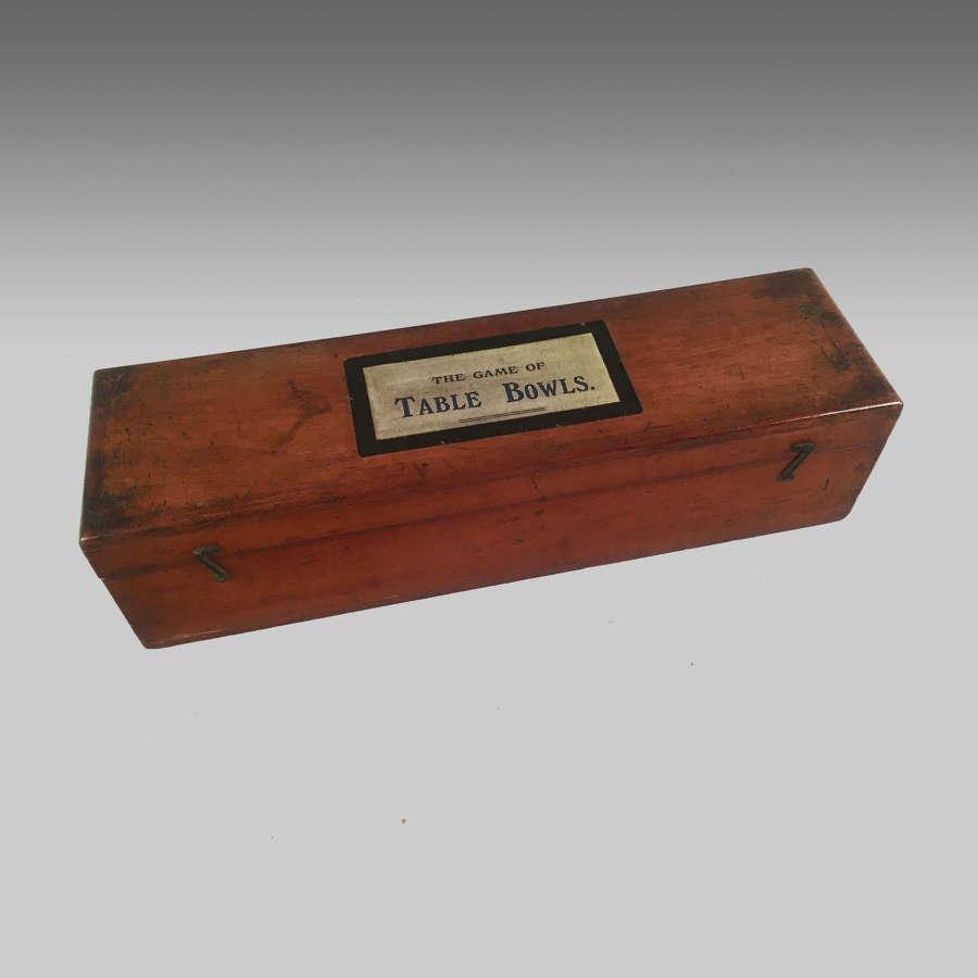 Mahogany boxed set of Jacques indoor table bowls